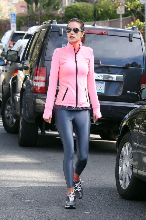 Celebrities Wearing Workout Clothes: See Their Gym Outfits ...