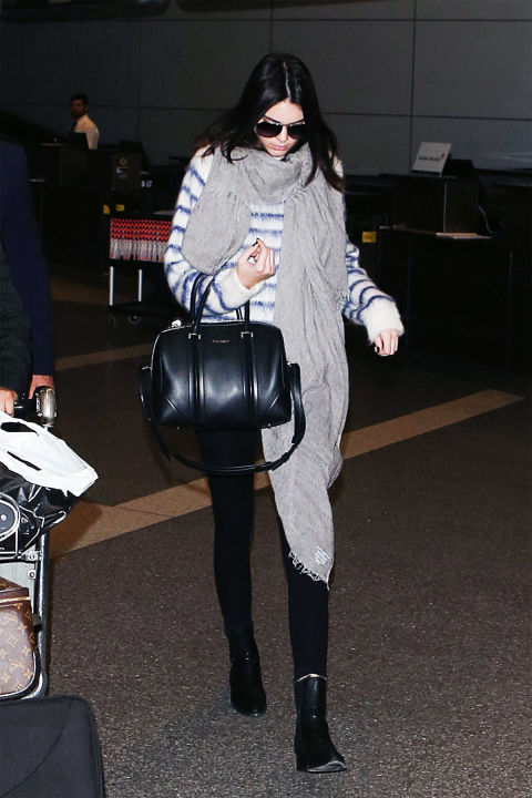 14 Celebs with Amazing Airport Style - Holiday Traveling Outfit Inspiration