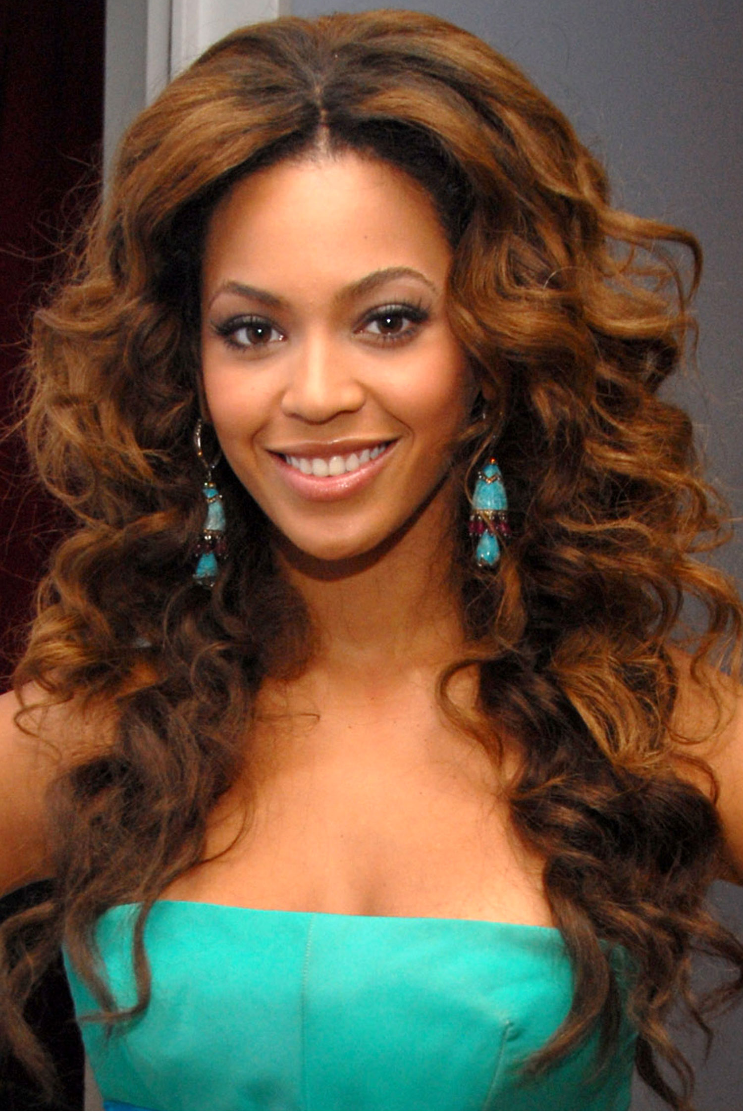 40 Beyonce Hairstyles - Beyonce's Real Hair, Long Hair and Short ...
