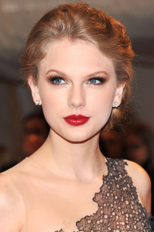 Tremendous Taylor Swift Hairstyles Taylor Swift39S Curly Straight Short Short Hairstyles Gunalazisus