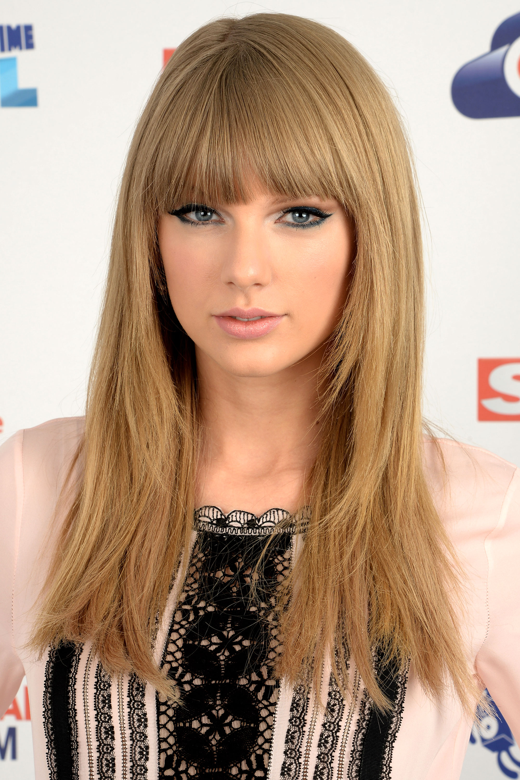 Fine Taylor Swift Hairstyles Taylor Swift39S Curly Straight Short Short Hairstyles Gunalazisus
