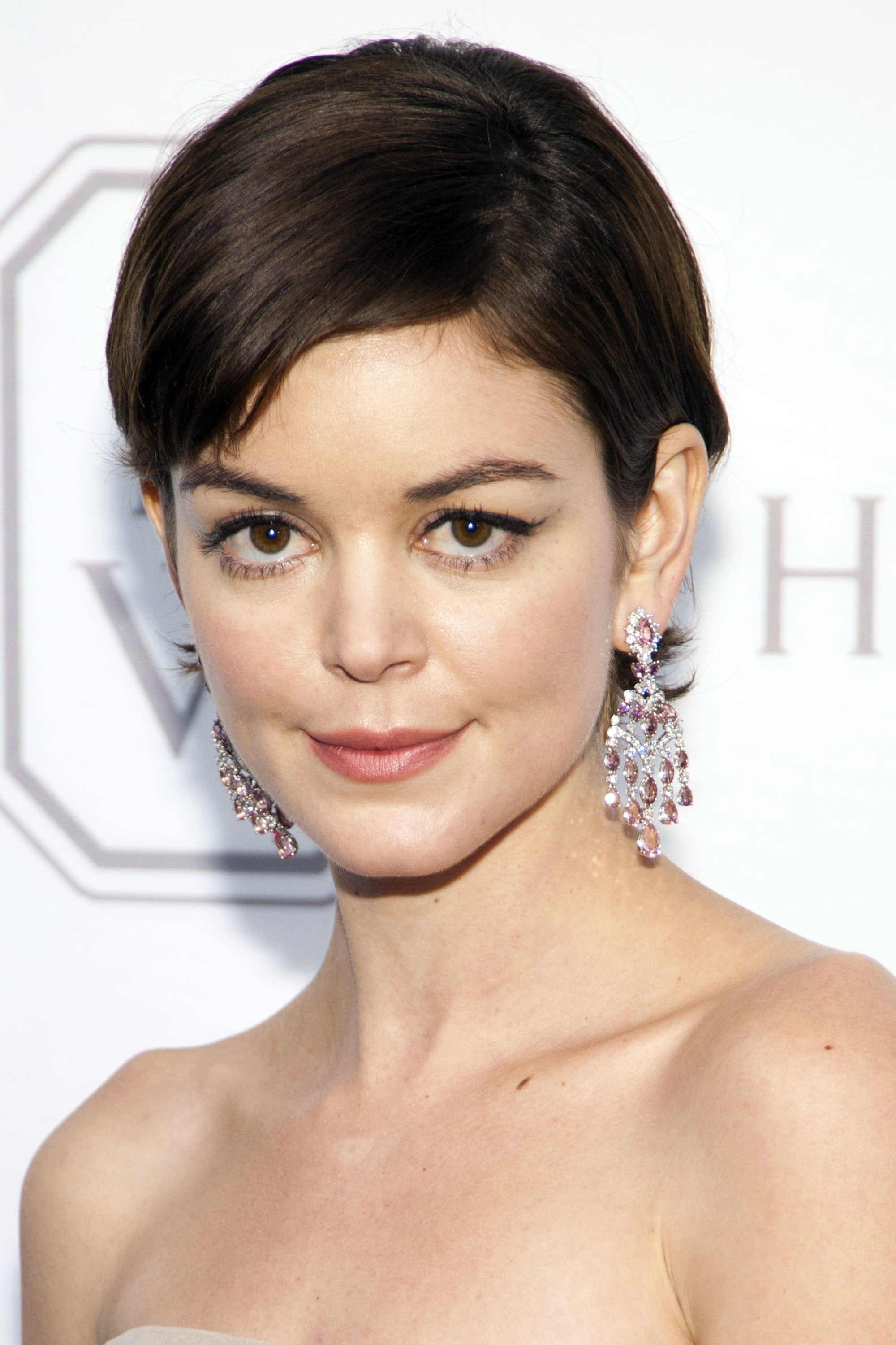 Magnificent 42 Pixie Cuts We Love For 2017 Short Pixie Hairstyles From Short Hairstyles Gunalazisus