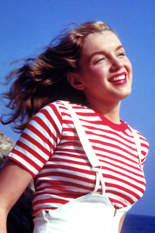 Marilyn Monroe Living Room Decor: 15 Pictures Of Marilyn Monroe