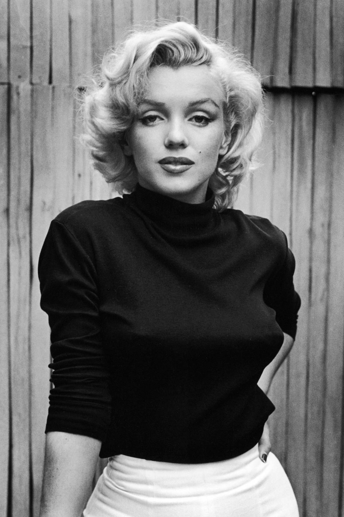 Marilyn Monroe Photos on oscar gift bo