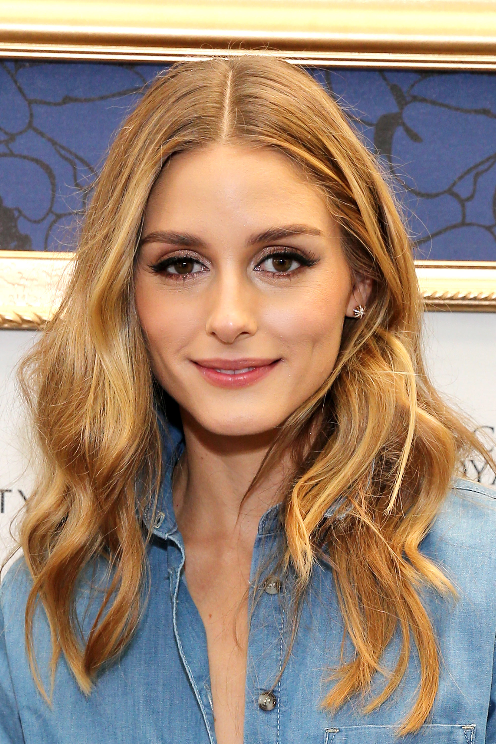 10 Best Middle Part Hairstyles - 10 Ways to Wear a Center ...