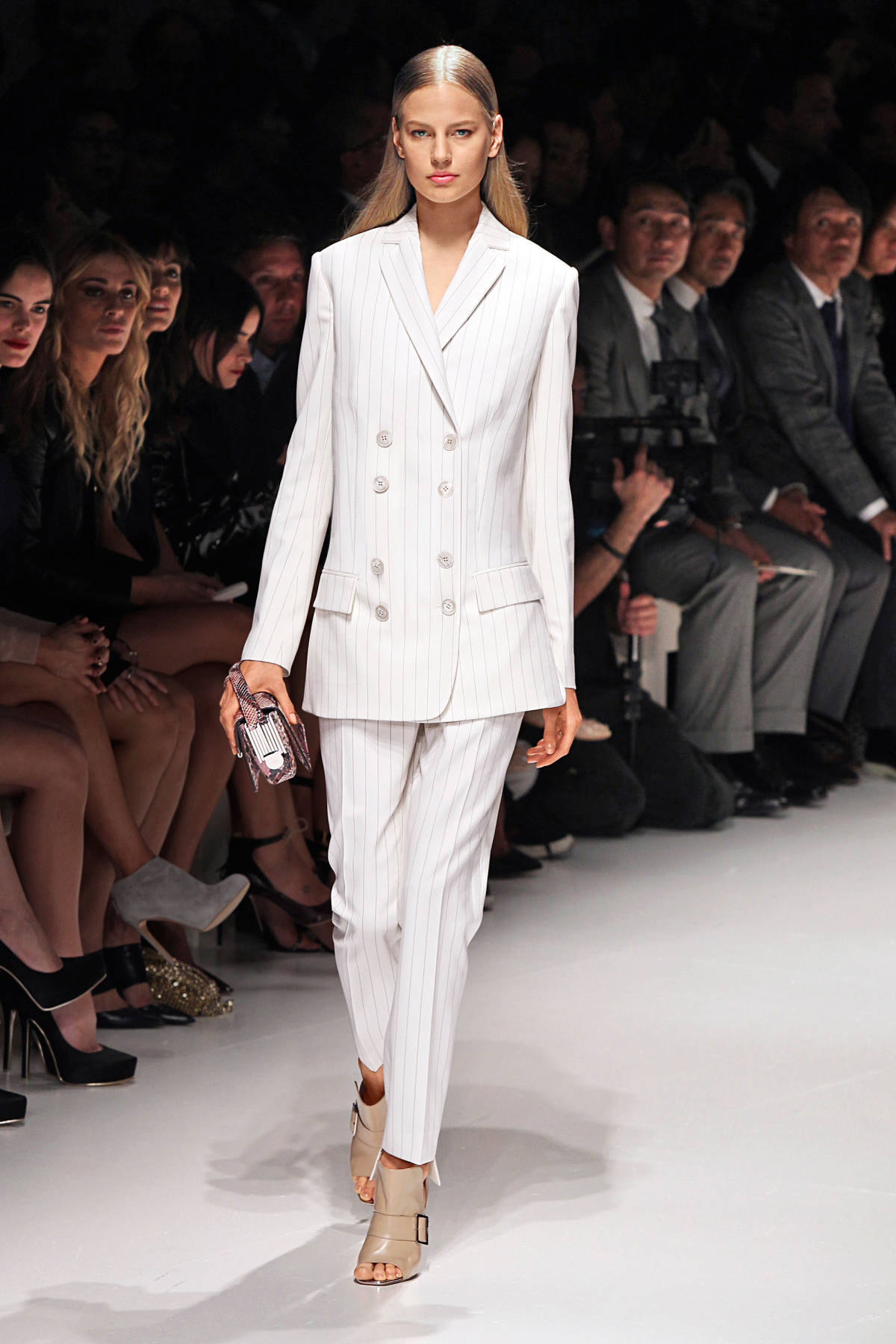 how to dress for success tips for investment dressing