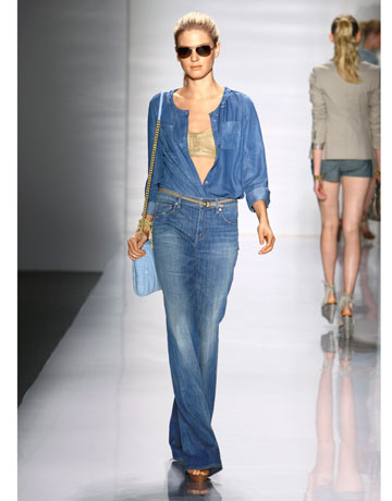 New School Year, New Denim Trends. Ladies of all ages love to wear denim and boy do we have the skinny on the latest styles when it comes to back-to-school denim trends. If denim is a big deal in your home then this post is perfect for you!