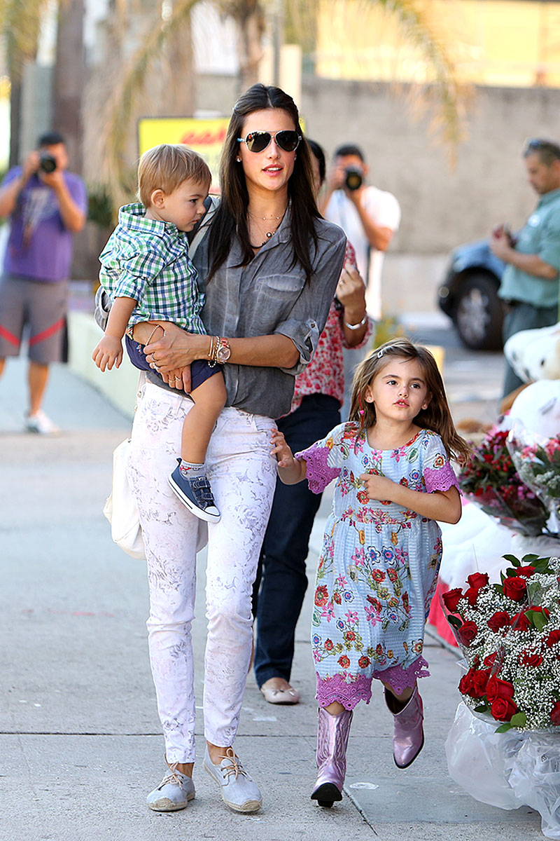 Celebrity Mothers Set Bar Too High For Non Famous Women