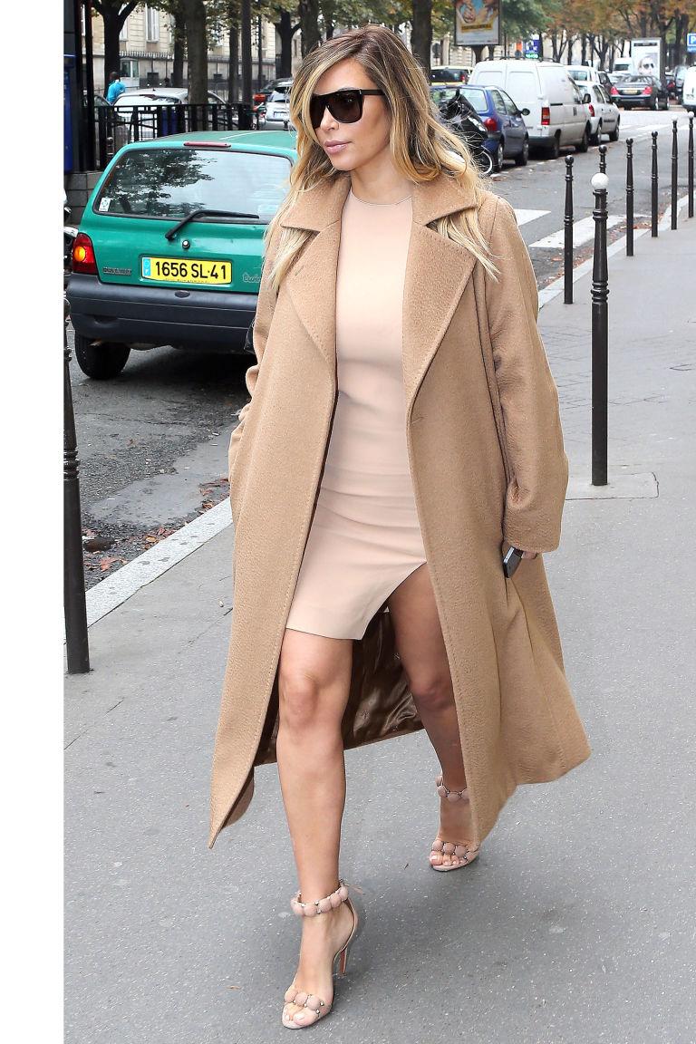 Η Kim Kardashian δείχνει τον τρόπο για τη μονοχρωμία