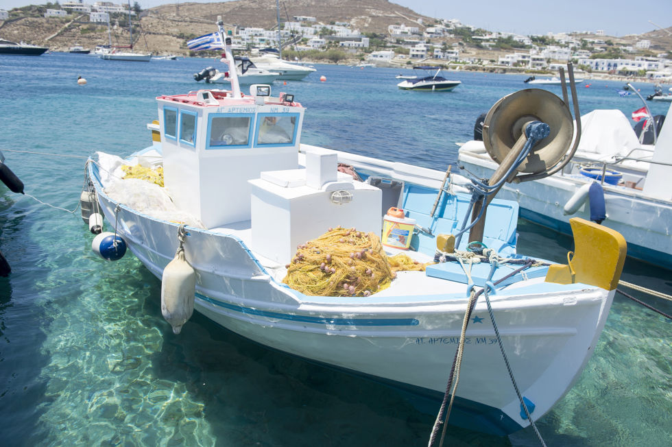 The fishing boat for fresh catches