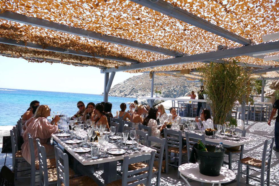 Lunch under dappled sunlight...
