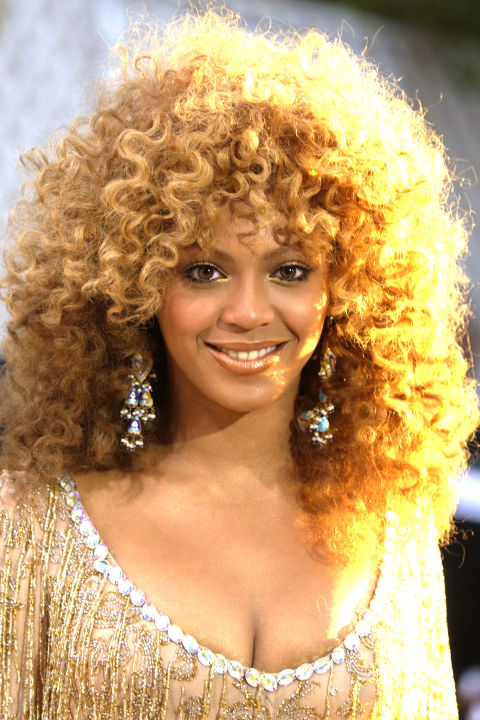 rehanna hair style 40 beyonce hairstyles beyonce s real hair hair and 4679 | 54bbd2e4679ab hbz beyonce 2002 105332664